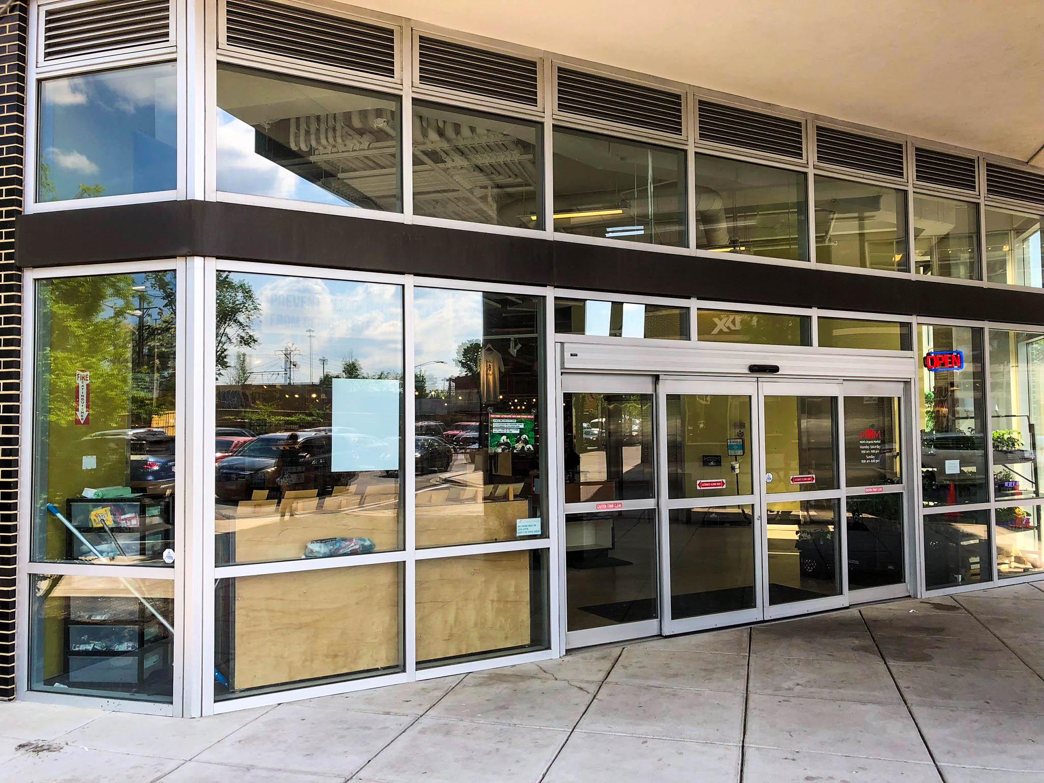 Hect Warehouse - Mom's Organic Market front door