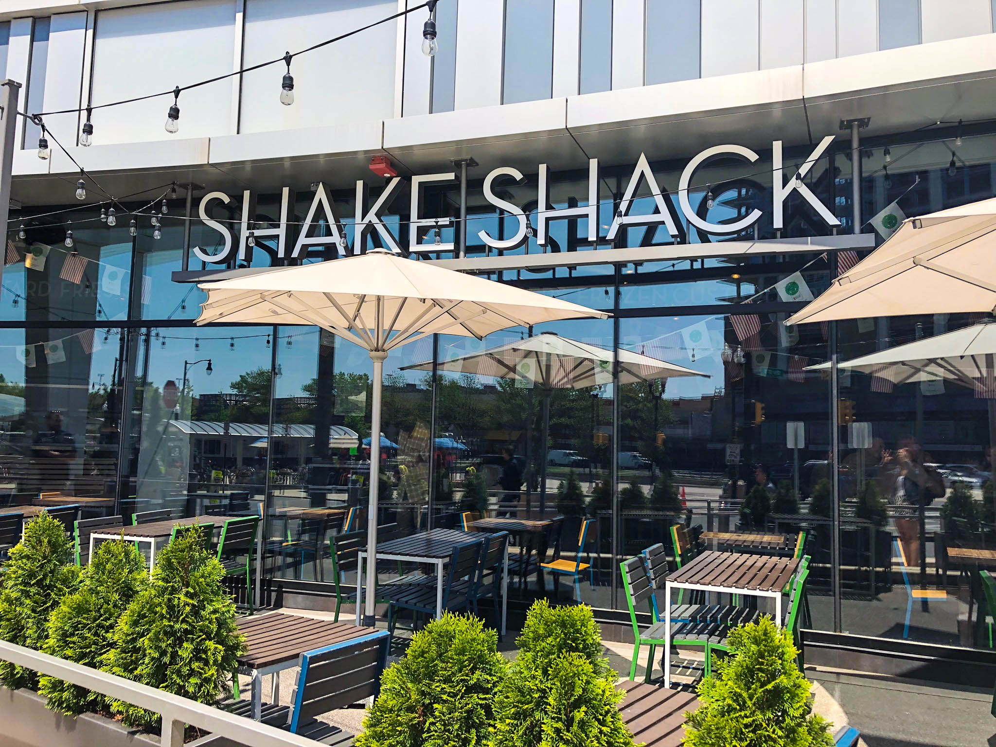 Shake Shack - Pentagon City - Sign