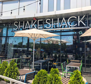 Shake Shack Entrance